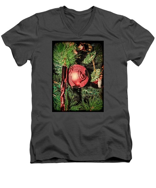 Red Christmas Ornament Men's V-Neck T-Shirt