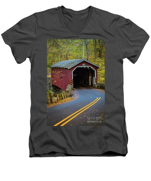 Red Covered Bridge In Lancaster County Park Men's V-Neck T-Shirt