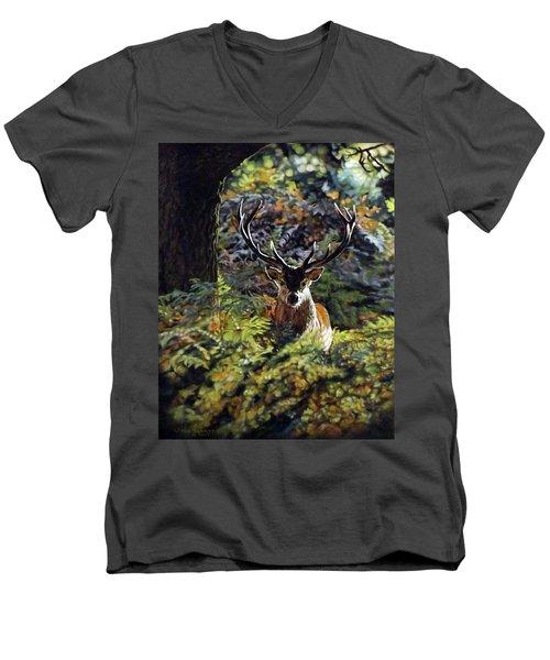 Red Deer Stag Men's V-Neck T-Shirt