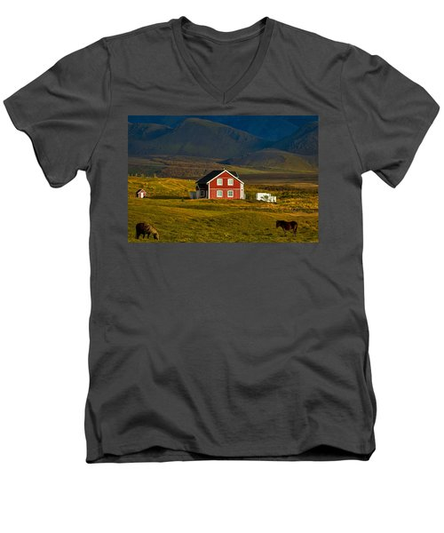 Red House And Horses - Iceland Men's V-Neck T-Shirt
