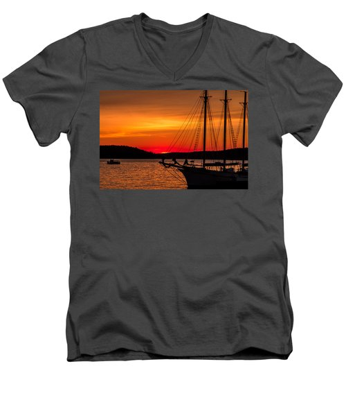 Red Maine Sunrise Men's V-Neck T-Shirt