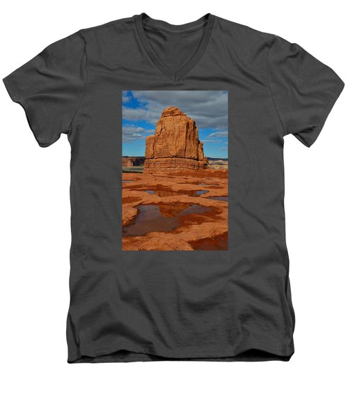 Red Rock Reflection Men's V-Neck T-Shirt