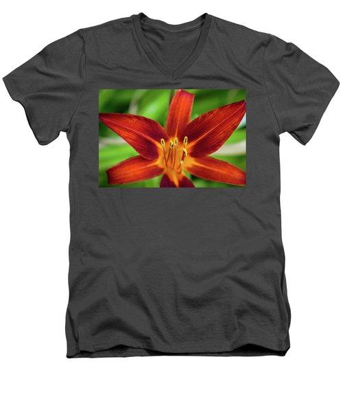 Red Star Men's V-Neck T-Shirt