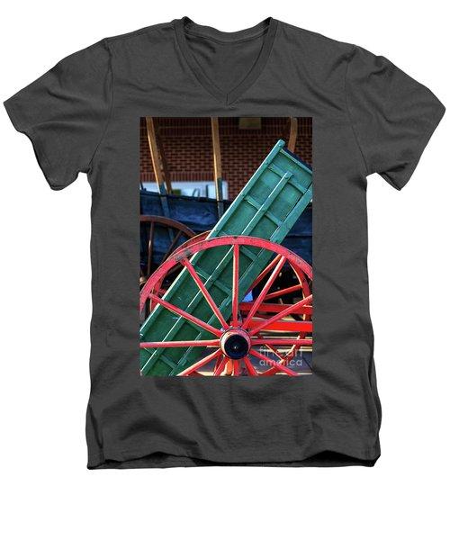 Red Wagon Wheel Men's V-Neck T-Shirt