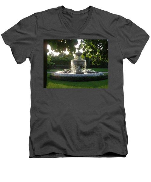 Regents Park Fountain Men's V-Neck T-Shirt