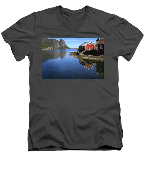 Reine, Norway Men's V-Neck T-Shirt
