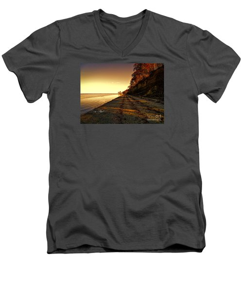 Relaxing In Surry Virginia Men's V-Neck T-Shirt