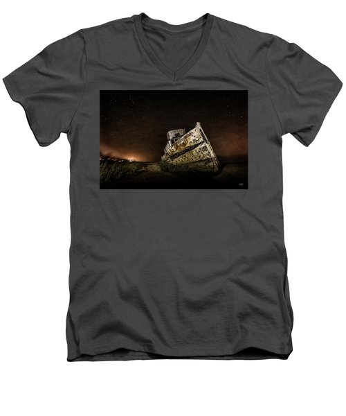 Men's V-Neck T-Shirt featuring the photograph Reyes Shipwreck by Everet Regal