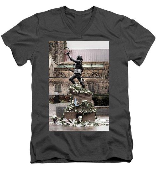 Richard The Third Statue Men's V-Neck T-Shirt