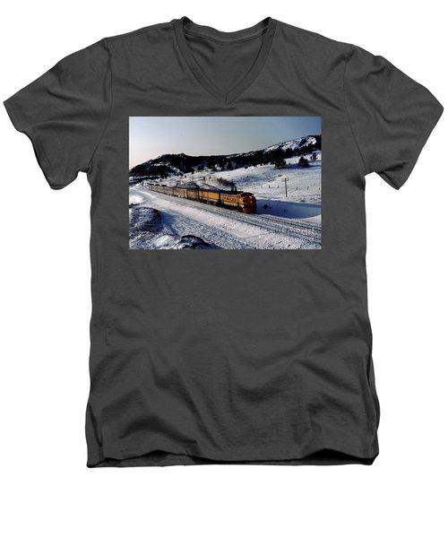 Rio Grande Zephyr Trainset In The Snow, Plainview Colorado, 1983 Men's V-Neck T-Shirt