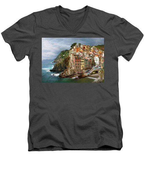Riomaggiore Italy Men's V-Neck T-Shirt