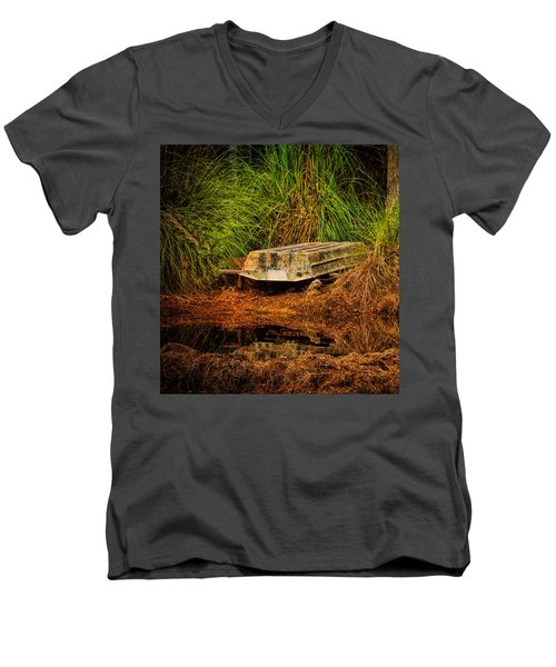 River Boat Men's V-Neck T-Shirt