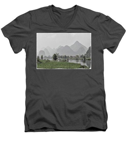 River Rafting Men's V-Neck T-Shirt