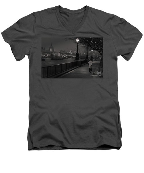 River Thames Embankment, London Men's V-Neck T-Shirt