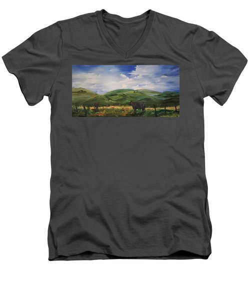 Road To Melrose, Montana         32 Men's V-Neck T-Shirt
