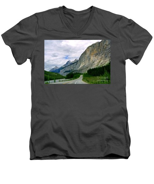 Road Trip  Men's V-Neck T-Shirt by Elfriede Fulda