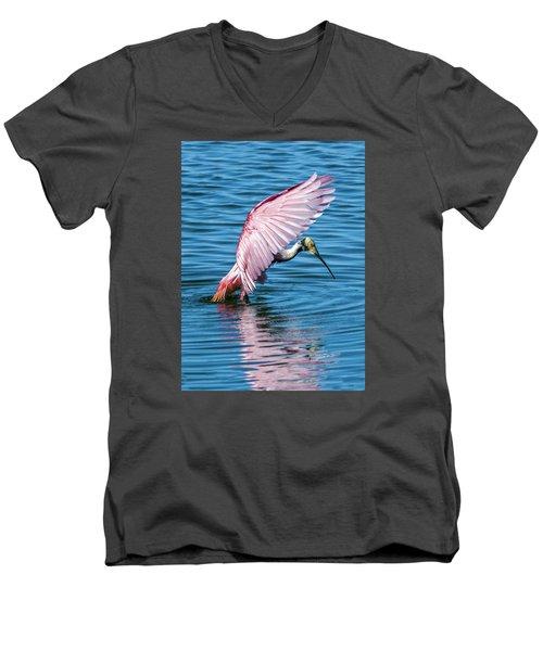 Roseate Spoonbill Landing Men's V-Neck T-Shirt