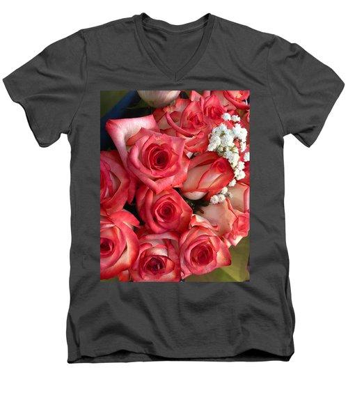 Roses For God Men's V-Neck T-Shirt