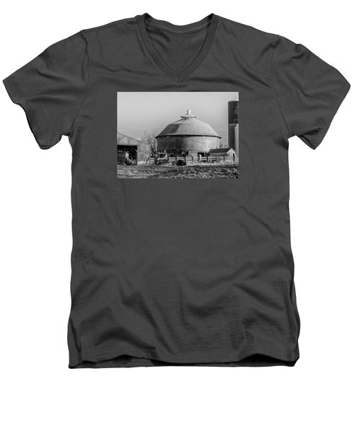 Men's V-Neck T-Shirt featuring the photograph Round Barn by Dan Traun