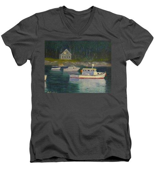Round Pond Fading Light Men's V-Neck T-Shirt