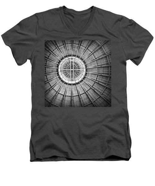 Roundhouse Architecture - Black And White Men's V-Neck T-Shirt