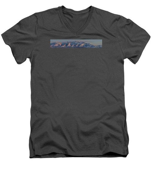 Ruby Mountains Panorama Men's V-Neck T-Shirt