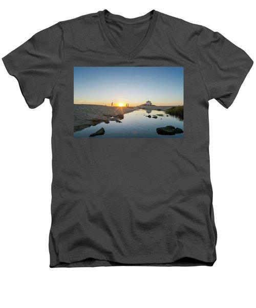Runing  Men's V-Neck T-Shirt
