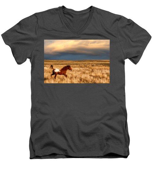 Running Free Men's V-Neck T-Shirt