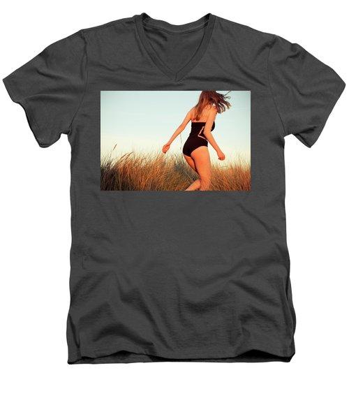 Running Unsharp In The Golden Hour Men's V-Neck T-Shirt