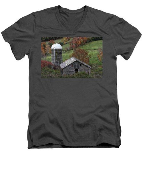 Rupert Mountain Face Barn Men's V-Neck T-Shirt