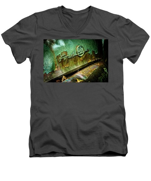 Rusted Ford Men's V-Neck T-Shirt