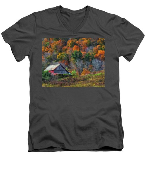 Rustic Out Building In Southern Ohio  Men's V-Neck T-Shirt