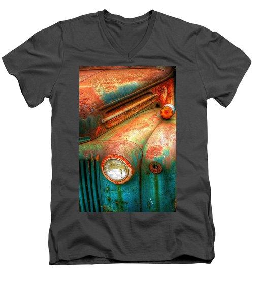 Rusty Old Ford Men's V-Neck T-Shirt