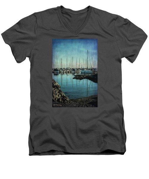 Marina - Digitally Textured Men's V-Neck T-Shirt