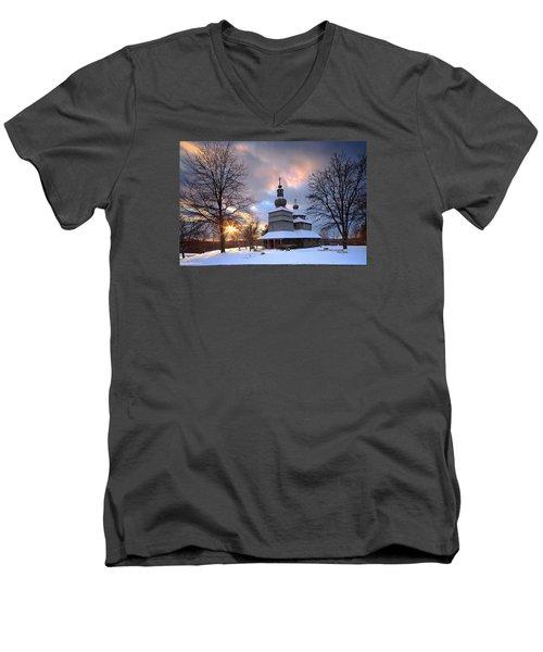 Saint Nicholas Chapel Men's V-Neck T-Shirt