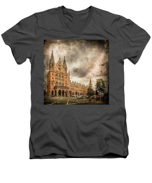 London, England - Saint Pancras Station Men's V-Neck T-Shirt