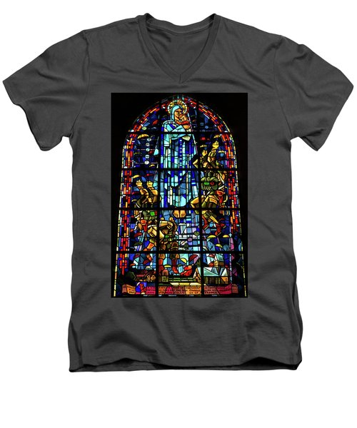 Sainte-mere-eglise Paratrooper Tribute Stained Glass Window Men's V-Neck T-Shirt