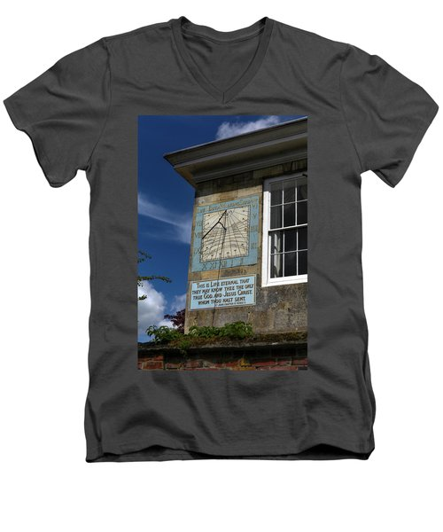 Salisbury Sundial Men's V-Neck T-Shirt