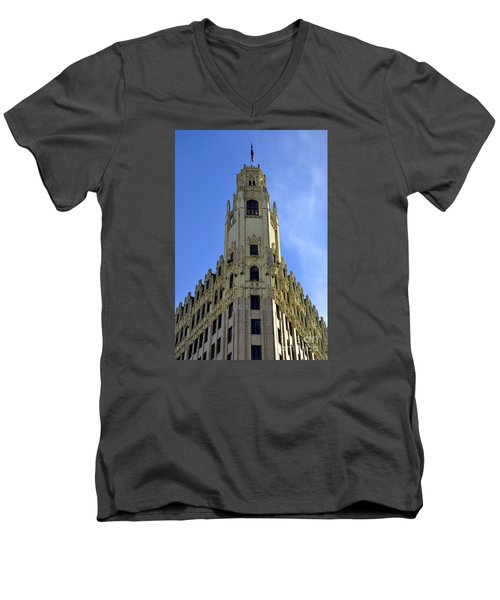 San Antonio Building 3 Men's V-Neck T-Shirt