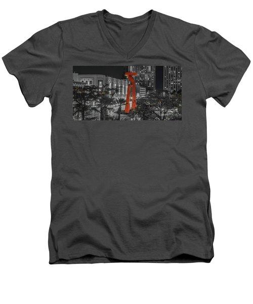 San Antonio La Antorcha De La Amistad Sculpture In Selective Color Men's V-Neck T-Shirt