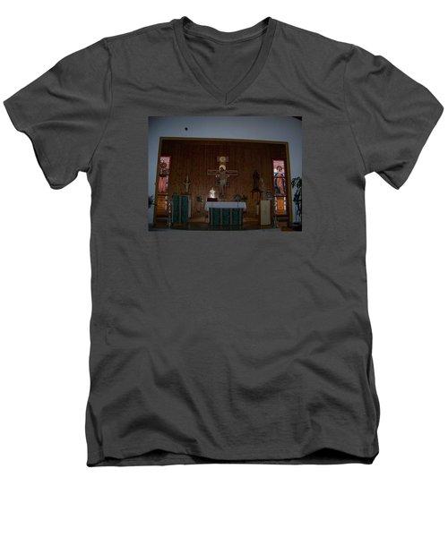 San Bernardo Abad,la Virgen Milagrosa Men's V-Neck T-Shirt