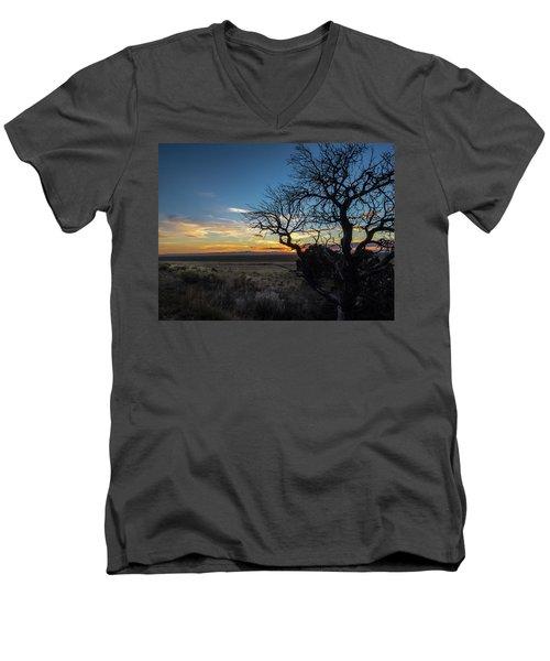 San Luis Valley Sunset - Colorado Men's V-Neck T-Shirt
