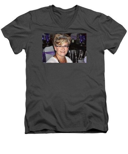 Sanderson - 4522 Men's V-Neck T-Shirt