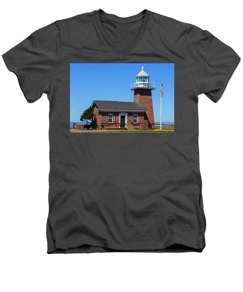 Santa Cruz Lighthouse Men's V-Neck T-Shirt
