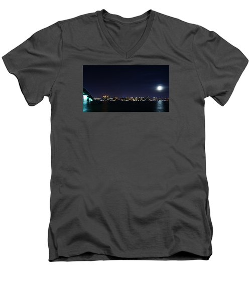 Sarasota Cityscape-night-full Moon Men's V-Neck T-Shirt