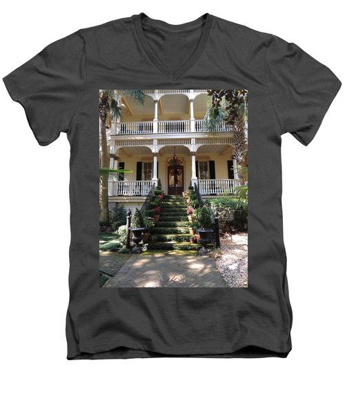 Southern Style Men's V-Neck T-Shirt