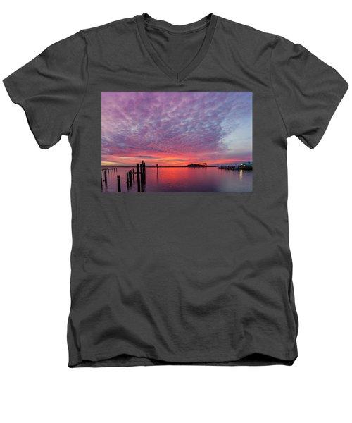 Saxis Sunset Men's V-Neck T-Shirt