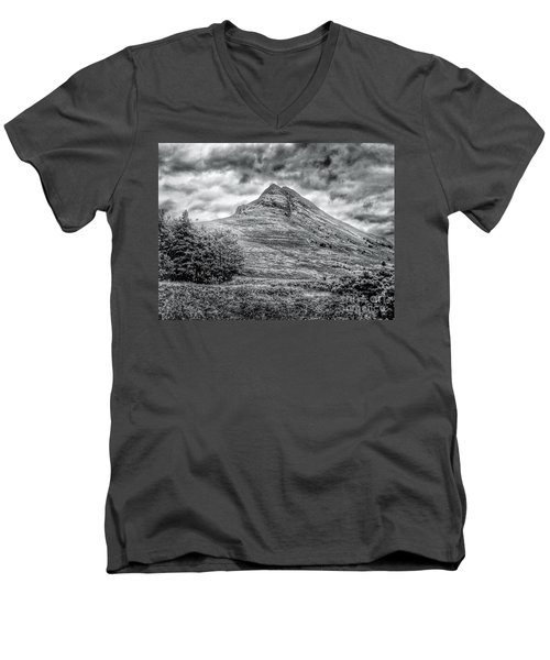 Scafell Pike In Greyscale Men's V-Neck T-Shirt
