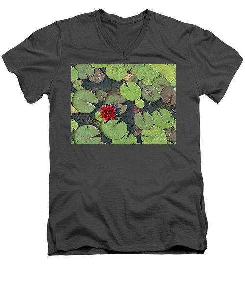Scarlet Waterlily Men's V-Neck T-Shirt