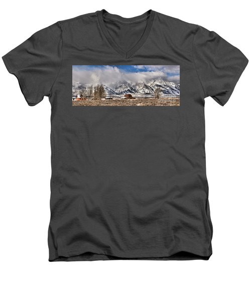 Men's V-Neck T-Shirt featuring the photograph Scenic Mormon Homestead by Adam Jewell
